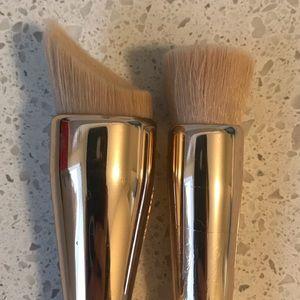 Sephora Makeup - Set of two Sephora face brushes